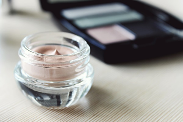 Bright makeup Lower age well (2)
