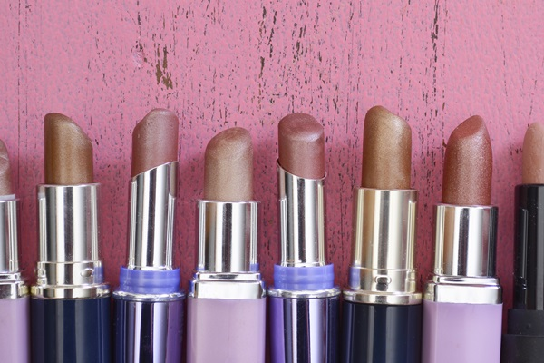 skin-color-lipstick-you-put-on (2)