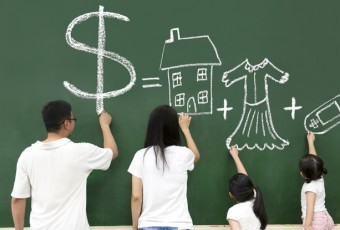 4-ways-to-manage-money-in-the-family