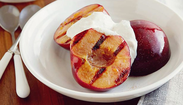 Grilled Plums with Yogurt Dip