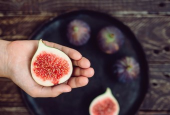 hand with figs