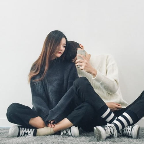 couple-sneakers-3