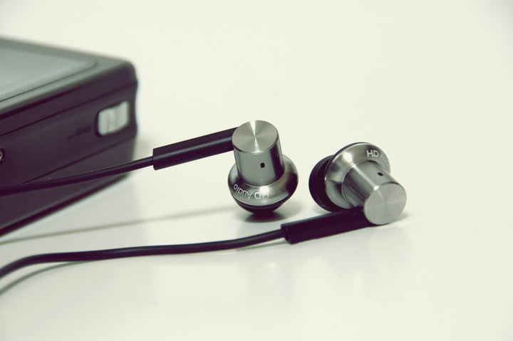 how-to-buy-headphones-for-use-during-exercise-2