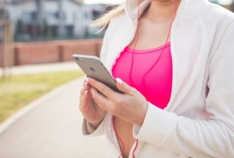how-to-buy-headphones-for-use-during-exercise-3