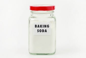 baking-soda-for-treat-bad-smell-of-foot-2