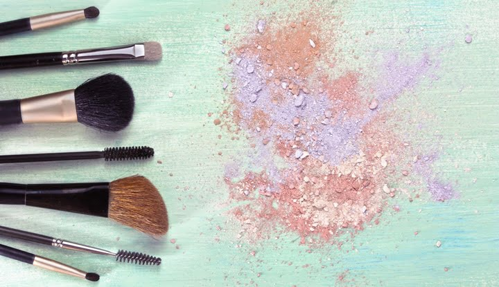 how-to-clean-up-make-up-set