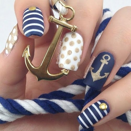 navy-nails-style-1