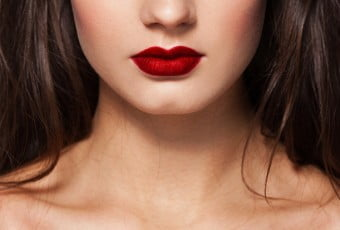 red-lipstick-techniques-to-be-the-pro