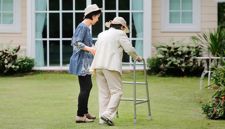 trick-to-care-for-the-elderly-by-smart-4