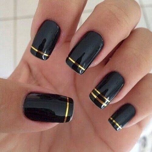 nails-art-is-black-15