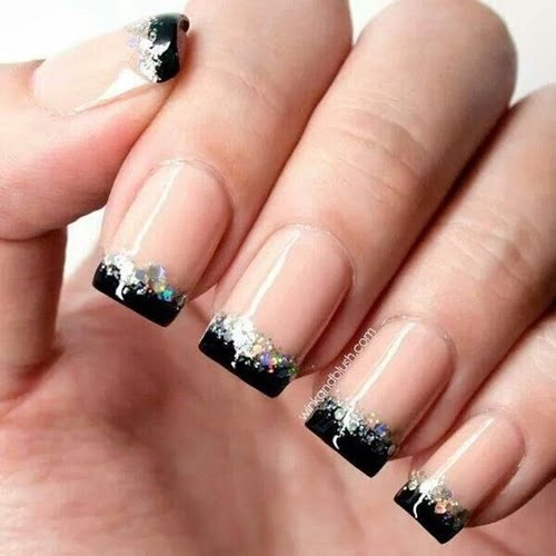 nails-art-is-black-16