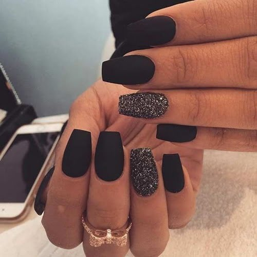 nails-art-is-black-8