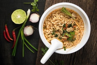 eat-instant-noodles-not-to-lose-health