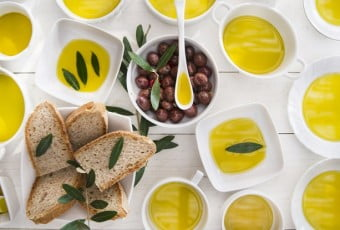 olive-oil-is-one-ingredient-in-the-diet-that-dieters-have-to-take-it-2