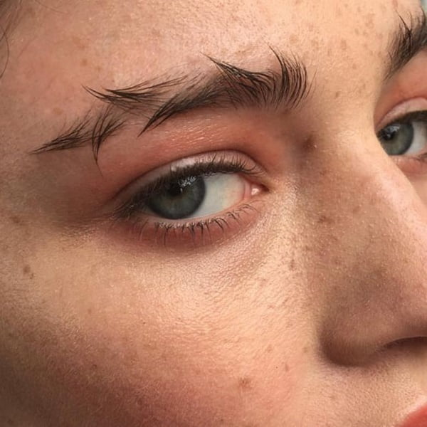trendy-eyebrows-half-a-year-later-2017-thats-good-or-not-7