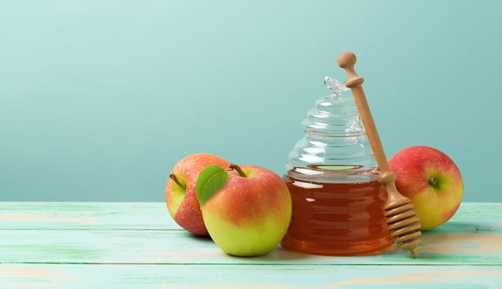 apple-honey-to-reduce-the-appearance-of-acne