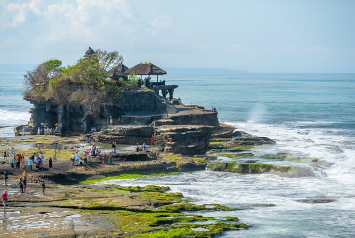 the-temple-tanah-lot-on-the-island-of-bali-indonesia