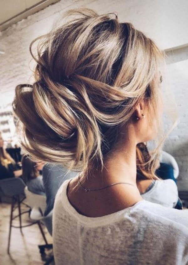 the-relaxed-wedding-bun-2