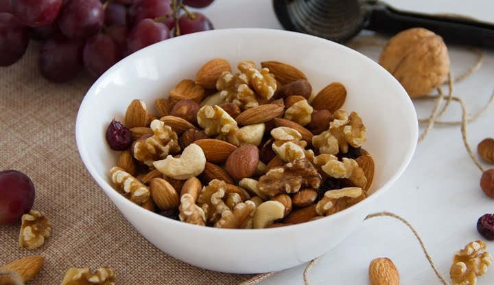 tree_nuts_reduce_risk_of_cancer-1