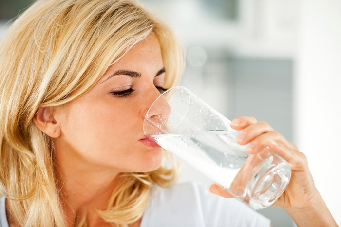 woman-drinking-water1