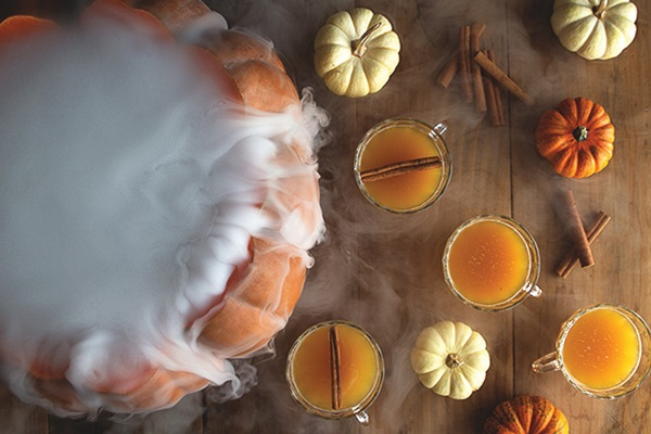 5-octobers-finest-squash-centric-cocktails-Halloween-Pumpkin-Punch-720x480-inline