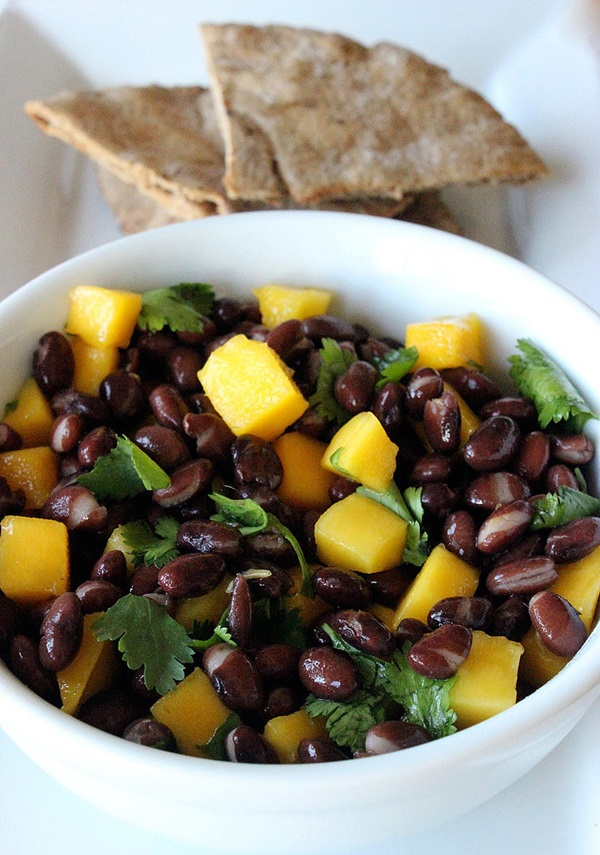 Black-Bean-Mango-Salad