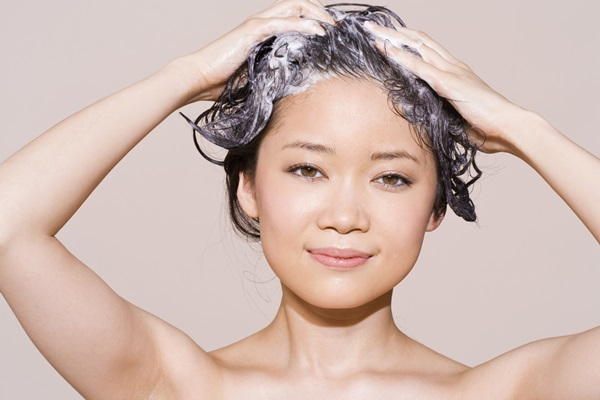 wash-your-hair-properly (1)