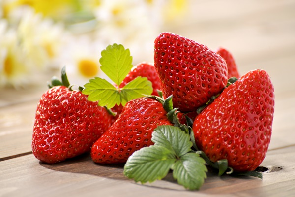 the-secret-recipe-strawberry-for-beauty-skin (3)