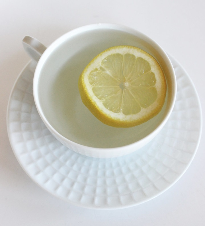 Morning-Drink-Hot-Water-Lemon