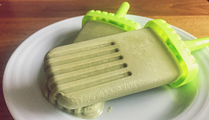 coconut-matcha-popsicle