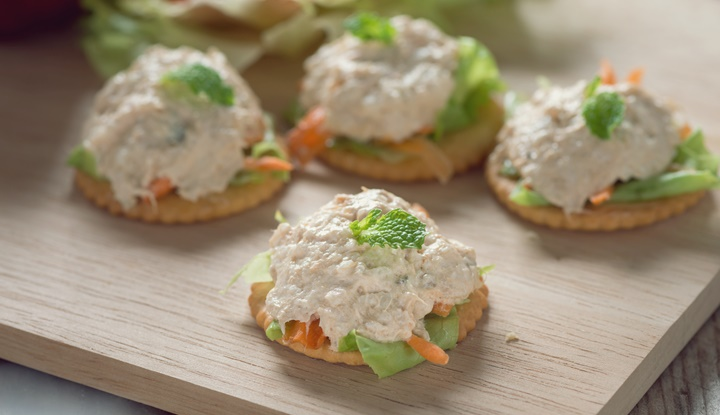 Delicious crackers with tuna salad topping.