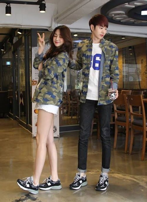 couple-sneakers-22