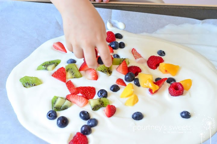 frozen-yogurt-fruit-bark-3