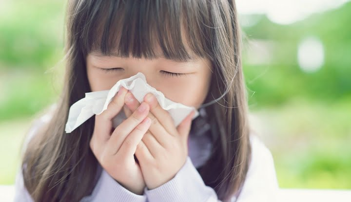patients-in-the-rain-children-old-people-must-be-careful-of-pneumonia