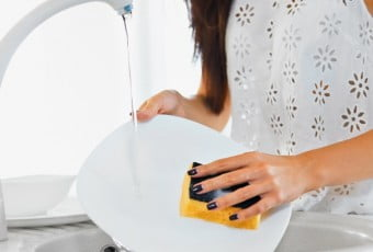 wash-dishes-properly-the-boring-but-the-first-prevention-of-germs-in-the-home