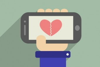 social-addicted-people-should-know-how-to-phone-make-love-broken